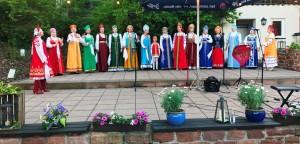 Russischer Chor Regenbogem mit Chorleiterin Swetlana Granzon
